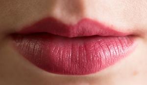craving_lipswatch